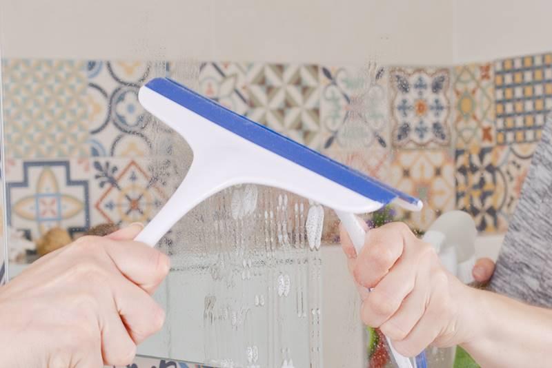 Porządki- ściągaczka wody do szyb, lustra, okien / Plastic window squeeze ass colors 8712442090823 / 24530948