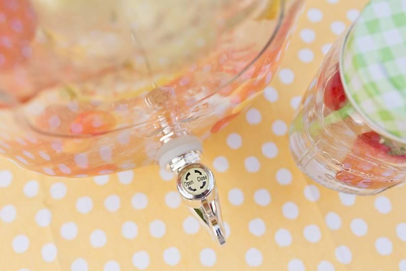 PARTY szklany słoik z kranikiem metal zakrętka 7,5 l / Glass jars with tap 7,5 l metal cover 23468335 / 8712442124771