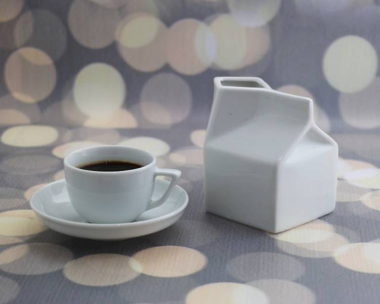 Porcelana- Mlecznik w kształcie kartonika 250 ml / Porcelain milk pot milkbox shape 250 ml 8712442911197 / 24302814