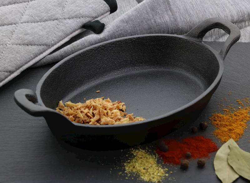 ŻELIWO-żeliwne naczynie do serwowania dań 21,5x15x4cm