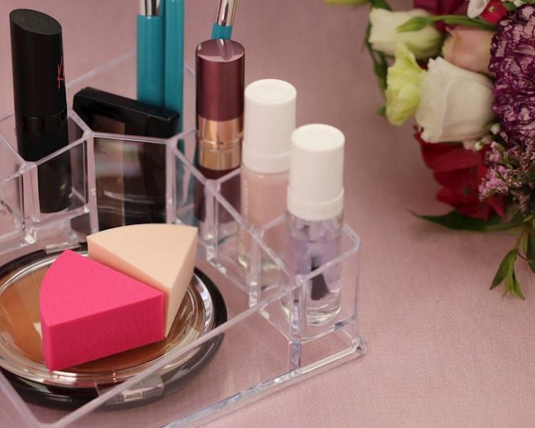 BEAUTY Pojemnik plastikowy na lakiery szminki 14cm / Bathroom Beauty Box lipstic 14x14 cm 8712442081487 / 24530909